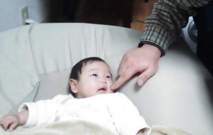 新生児からの知育!ふれあい遊びで赤ちゃんの力を引き出しちゃおう♪